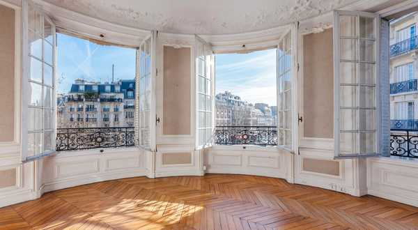 Use the expert eye of an architect / real estate professional before purchasing a new house or apartment in Nîmes.